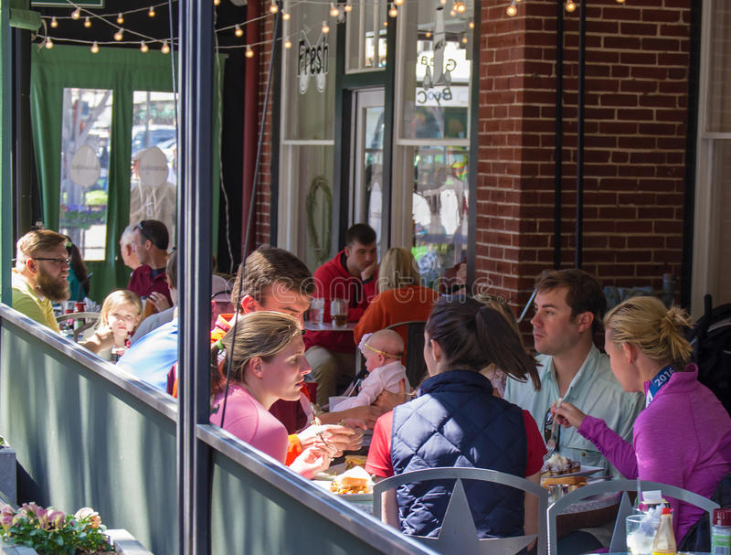 "€ ""Roanoke do restaurante do pátio, Virgínia, EUA fotos de stock royalty free"