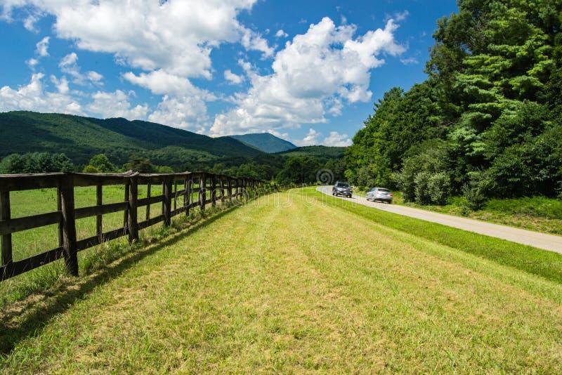 € bleu «Roanoke, la Virginie, Etats-Unis de Ridge Parkway image libre de droits