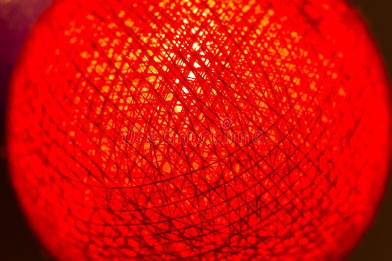 """€ cerrado """"encima del color rojo y anaranjado de la linterna de papel del terciopelo fotografía de archivo"""