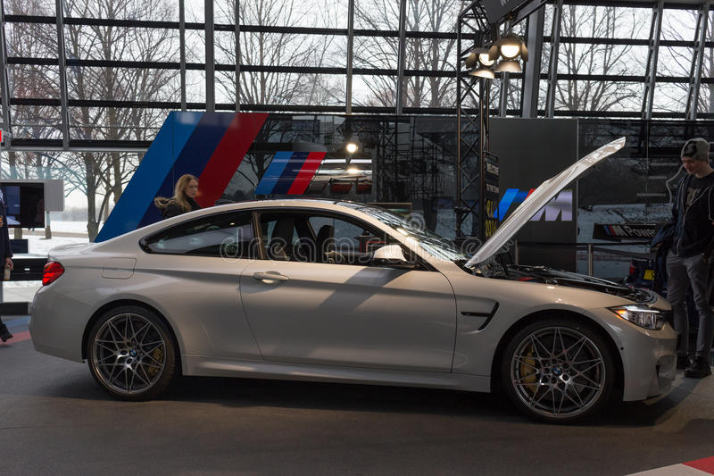 "€ de MUNICH ""o 30 de janeiro: BMW M5 - modelo do bar na equimose de BMW, Munich, foto de stock"
