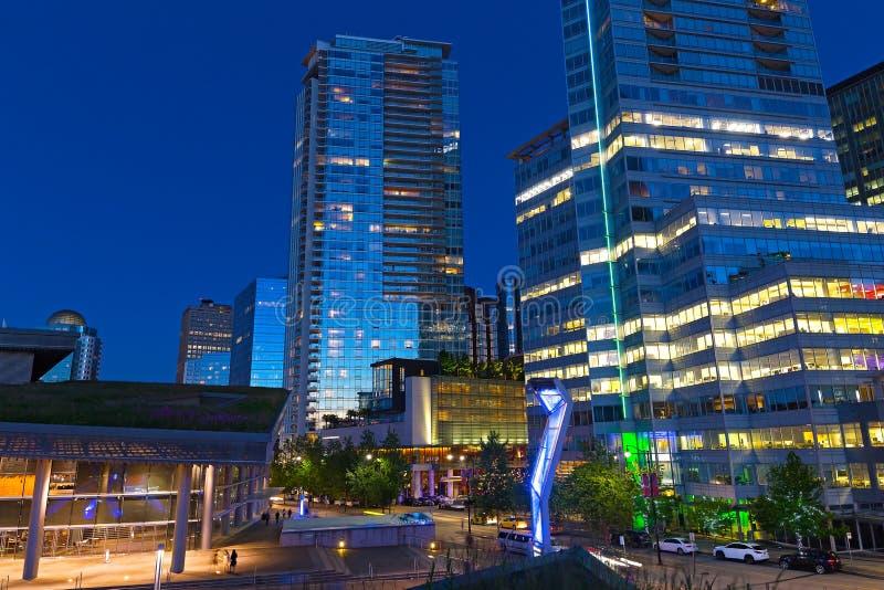 """€ di VANCOUVER, CANADA """"25 giugno: Orizzonte della città di notte con Convention Center il 25 giugno 2017 a Vancouver, Canada fotografia stock"""