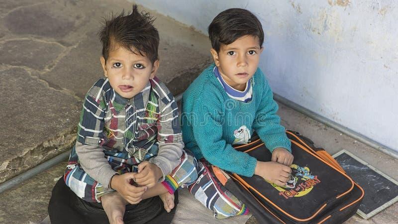 """€ Rajasthans, Indien """"im Dezember 2016: Indische Schüler in der Klasse am lo stockbild"""