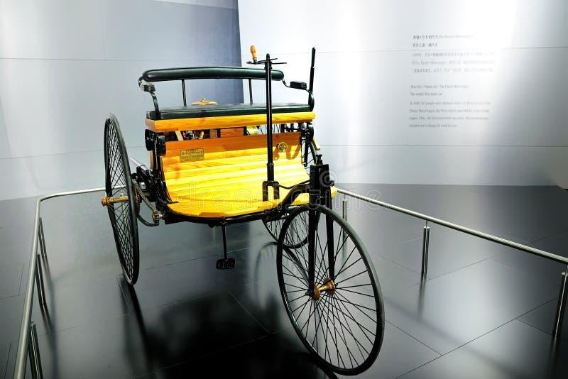 do carro da patente do Benz No.1 a patente Motorwagen foto de stock