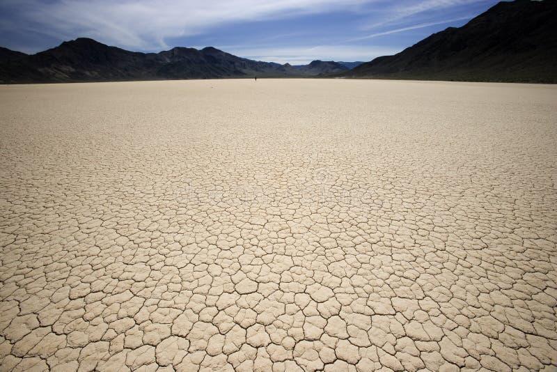 Playa de la pista de raza de Death Valley horizontal imágenes de archivo libres de regalías
