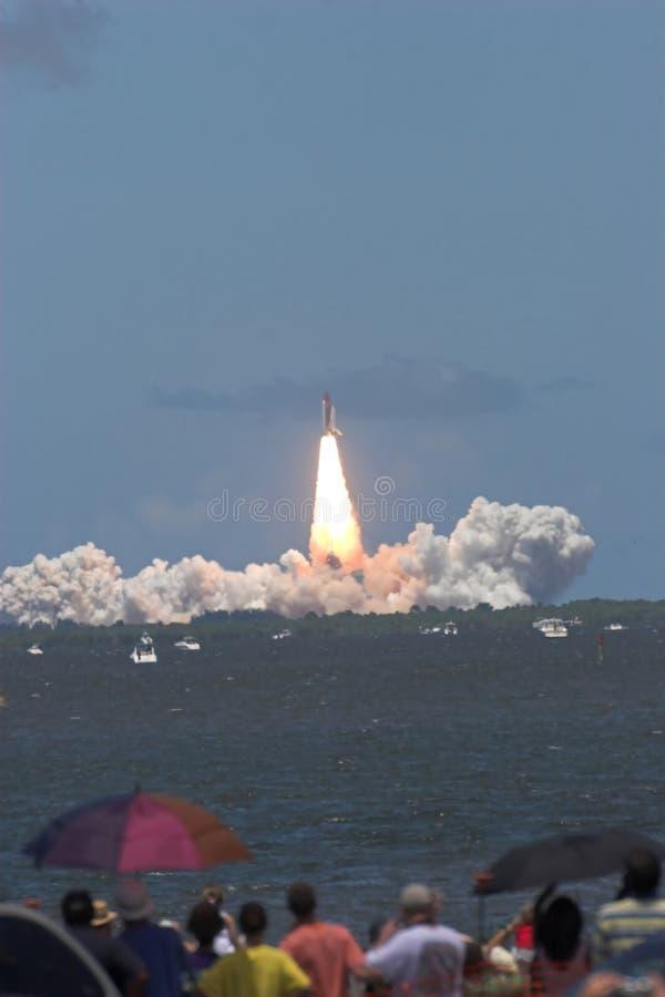 STS 121 do lançamento da canela de espaço foto de stock
