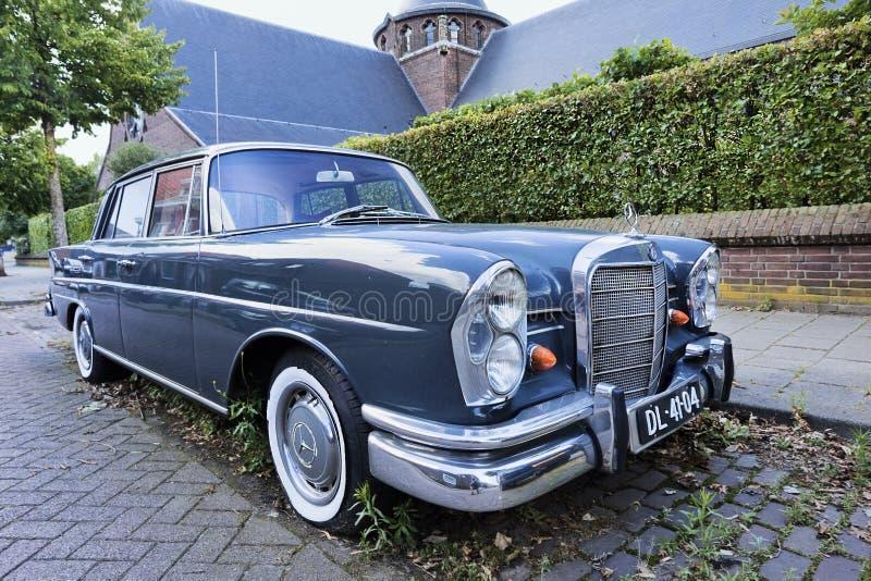 Âfintailâ icónico del sedán de Mercedes fotos de archivo libres de regalías