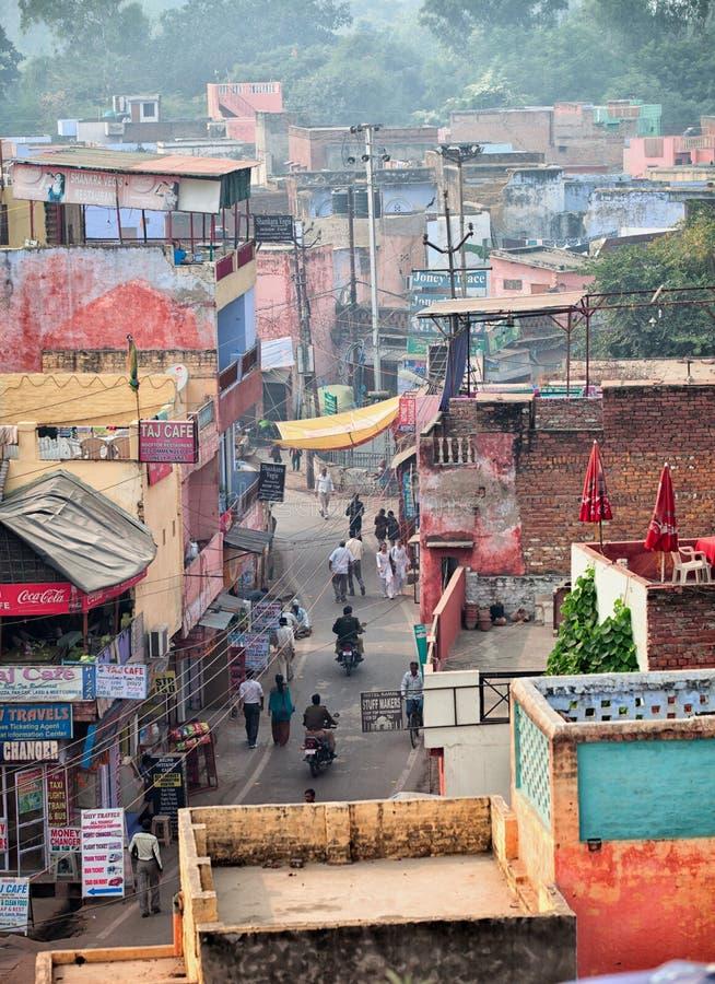 ÂGRÂ, INDE - VERS EN NOVEMBRE 2012 : Les rues de la ville indienne À photos stock