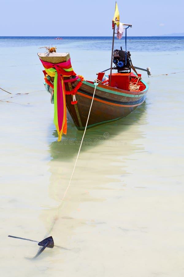 âncora Tailândia na baía de tao do kho fotos de stock