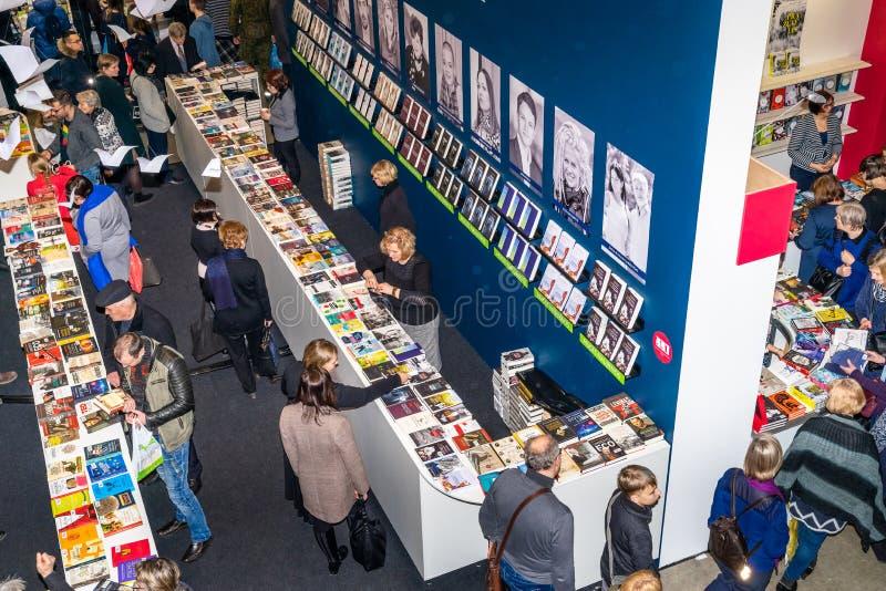 Årlig traditionell Vilnius bokmarknad '20 år efter 'i Vilnius, Litexpo utställningmitt royaltyfria bilder