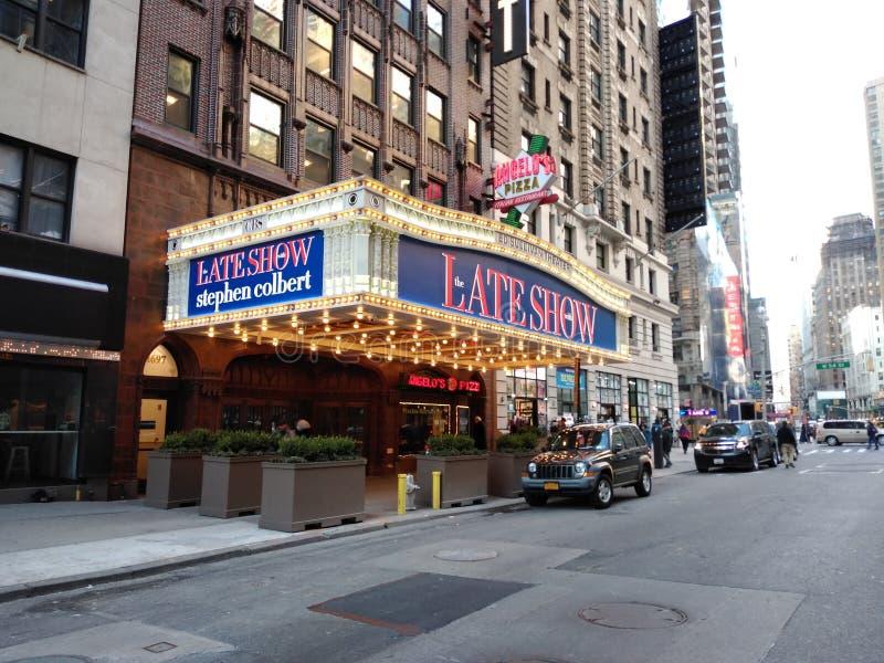 与史蒂芬・科拜尔,埃德・沙利文剧院,CBS演播室50,NYC,NY,美国的晚展示 图库摄影