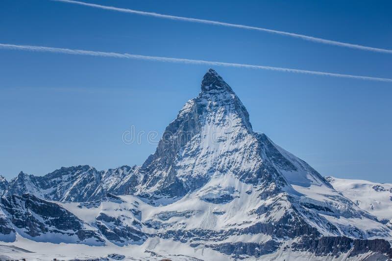 与天空蔚蓝-策马特,瑞士的马塔角 图库摄影