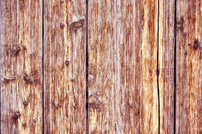 与概略的纹理多彩多姿的包括的老困厄的布朗赤土陶器铜生锈的木背景 弄脏 免版税库存照片