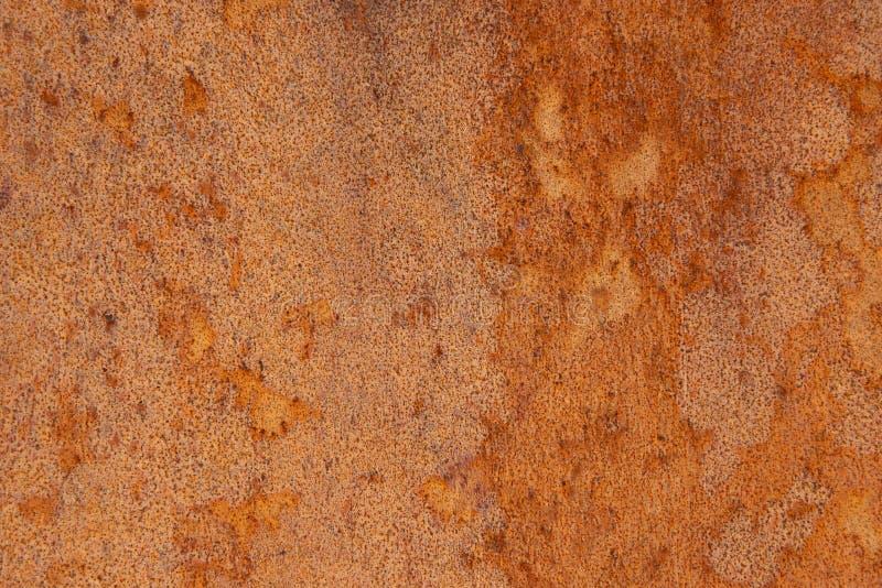 与概略的纹理多彩多姿的包括的老困厄的布朗赤土陶器铜生锈的石背景 粗糙被弄脏的梯度 免版税库存照片