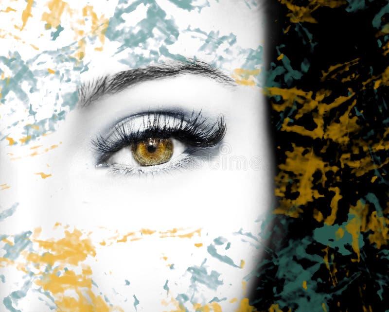 与抽象斑点的一只美丽的通透的神色眼睛 关闭射击 皇族释放例证