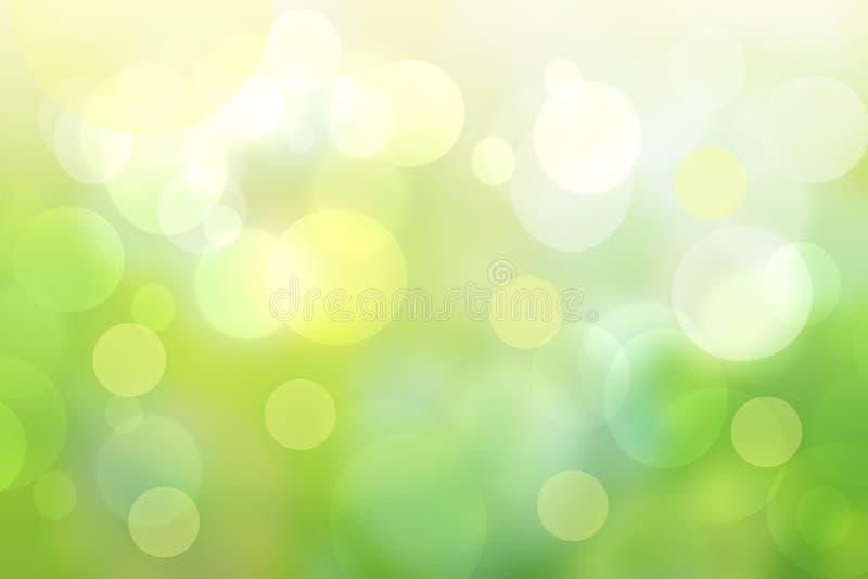与自然绿色bokeh光和黄色圆光的抽象明亮的春天或夏天风景纹理 秋天或夏天 免版税库存照片