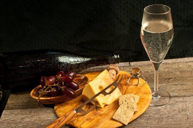 一个法国葡萄酒品尝事件的食物配对 免版税图库摄影