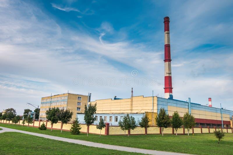一家化工企业工厂的管子 大气污染概念 工业风景环境污染浪费热力 库存图片