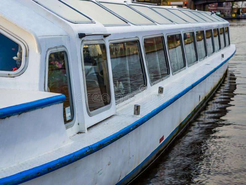 一条游览的小船的外部,旅游业概念,车外部,水运输 图库摄影