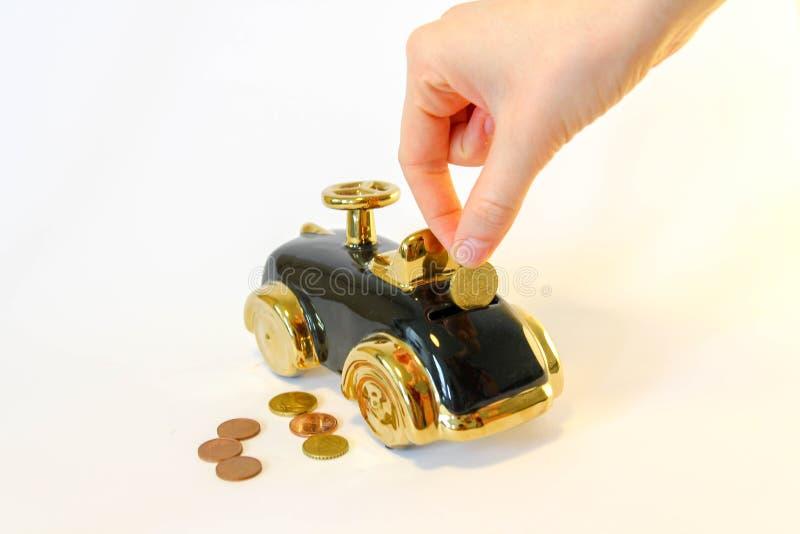 一辆新的汽车的攒钱 库存图片