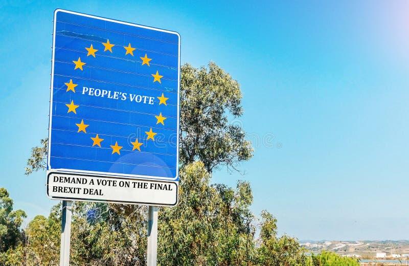 人民的表决是英国竞选小组呼吁在最后的Brexit成交的一个公开表决在英国之间 免版税库存图片