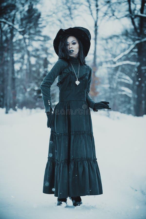 亚裔哥特式goth女孩 免版税图库摄影
