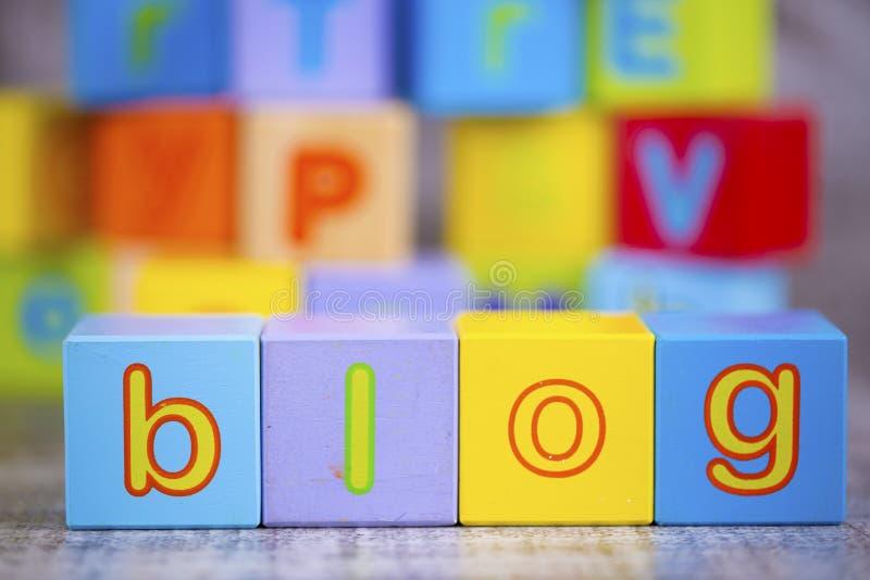 五颜六色的木字母表,博克写道 教育概念照片 免版税库存图片