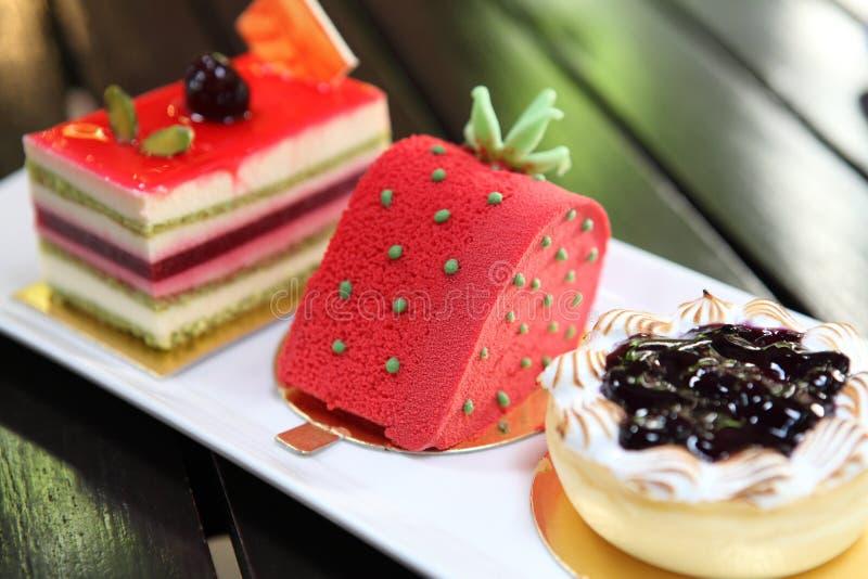 五颜六色的果子蛋糕 免版税库存照片