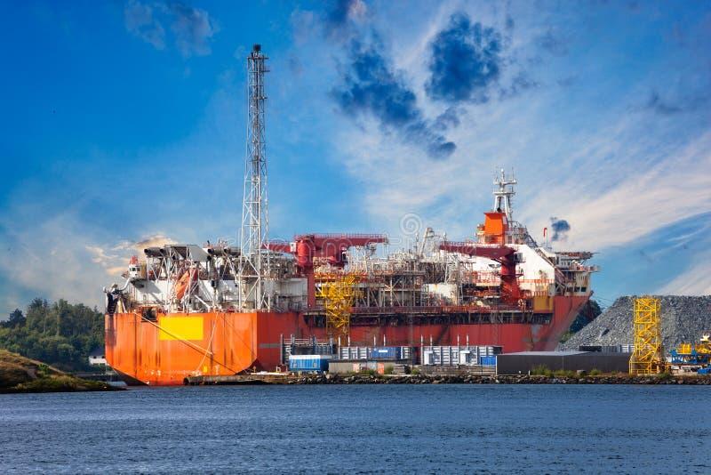 以塔的形式专业船 库存图片