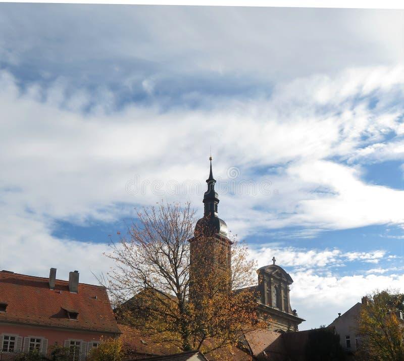 以教会为目的城市风景 免版税库存照片