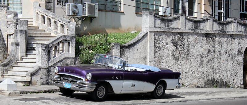 从古巴的老历史的美国汽车 免版税图库摄影