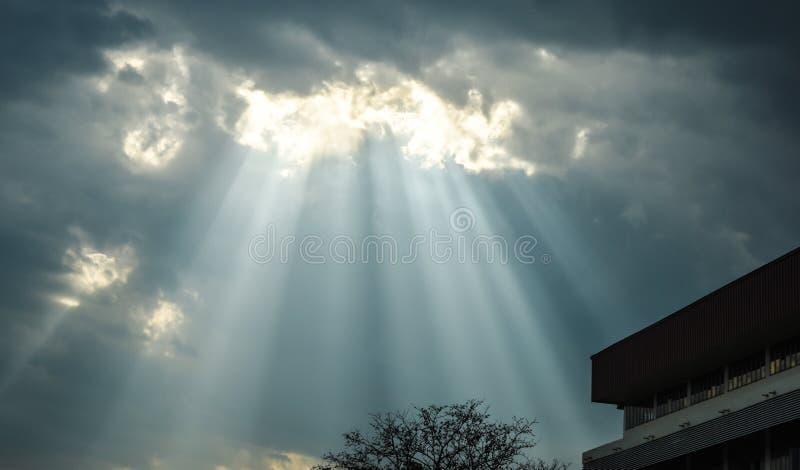 从天空的Ligth 免版税库存照片
