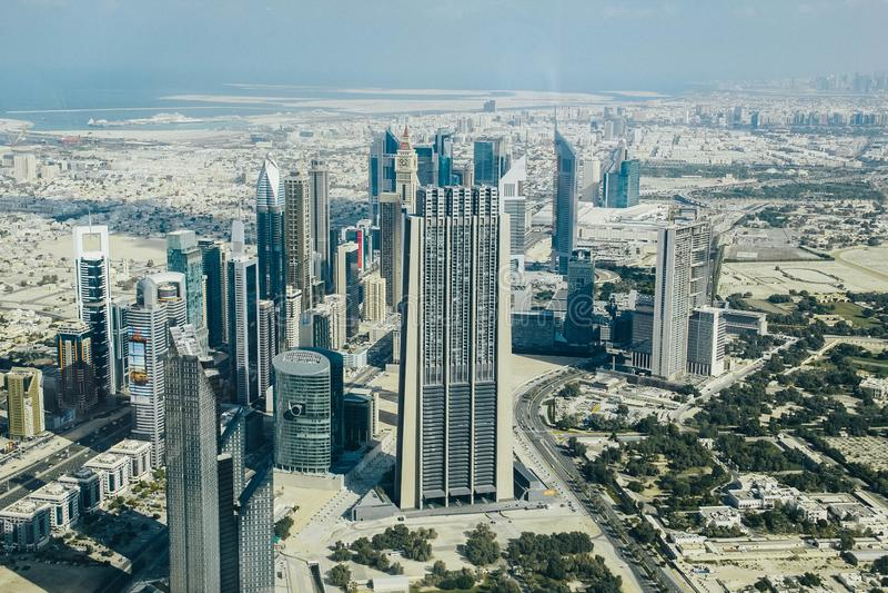 从哈里发塔的迪拜地平线 免版税库存图片