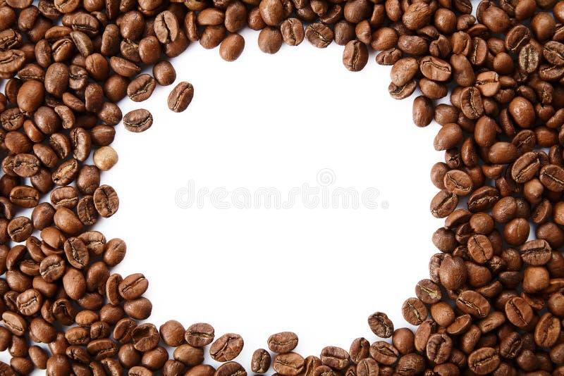 从烤咖啡豆的一个框架与空的拷贝空间 免版税库存照片