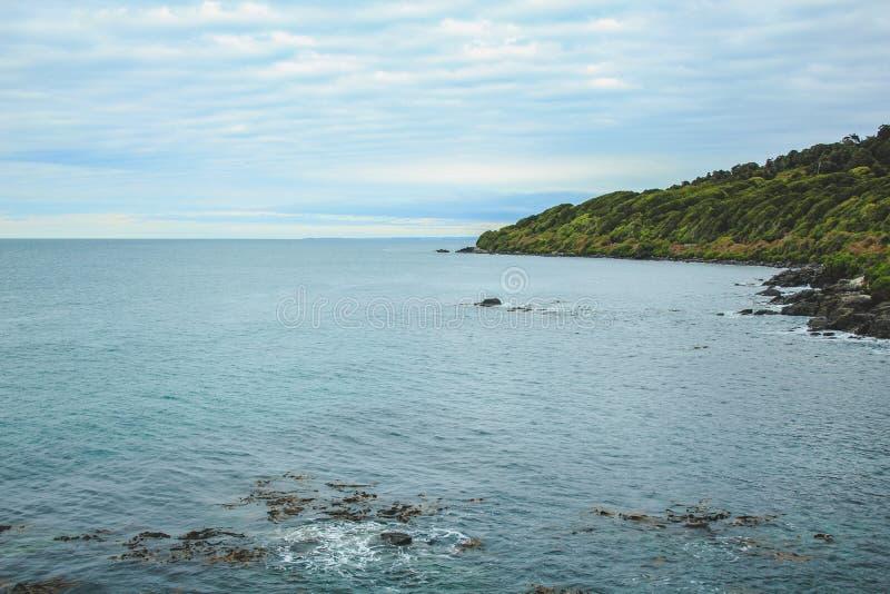 从虚张声势小山,最南端的点的Oceanview在新西兰 库存图片