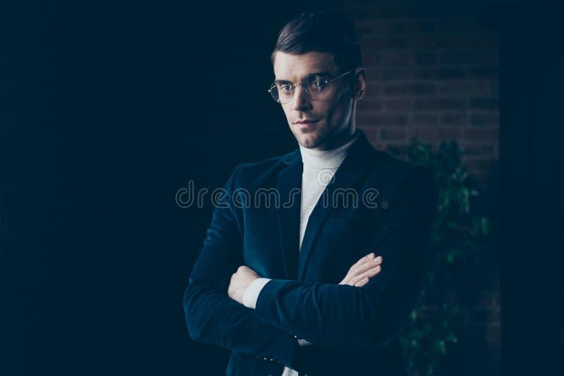 他的画象他好英俊的时髦的时髦聪明的聪明的聪明的人顾问专家金融家经济学家 库存图片