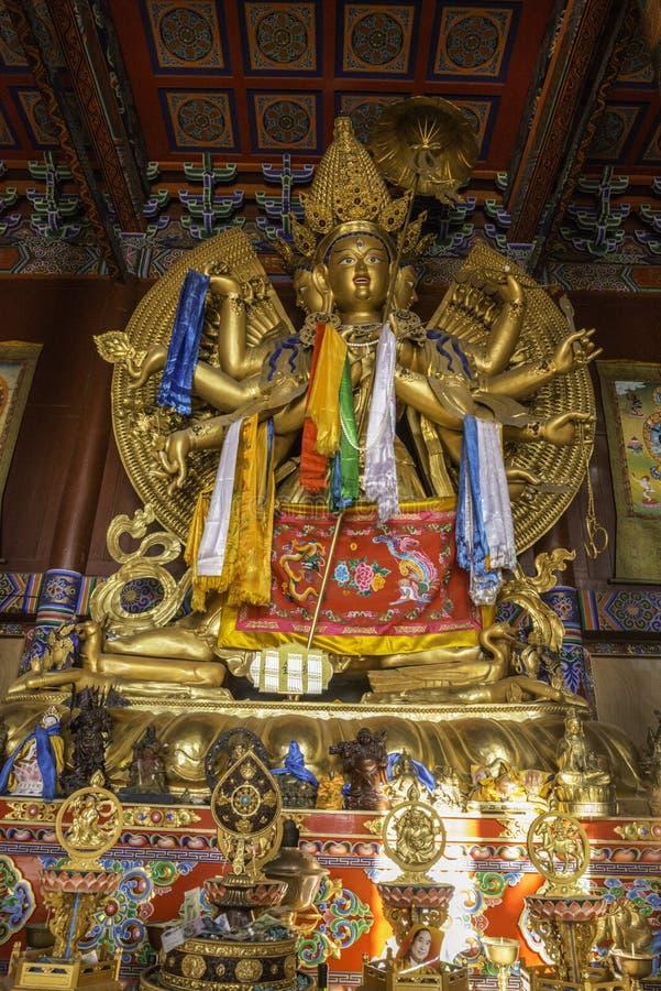 ä ¼ Šå… ‹å  ¬ Buddha złocista modlitwa inside, Piękny dekorujący Lamesery, Dazhou Hohhot dzień obrazy royalty free