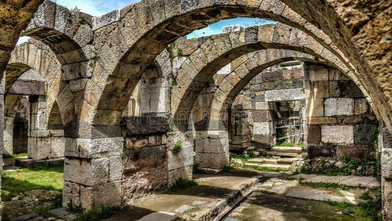 Ä°zmir, Turquia - 31 de março de 2013: Vista do museu do ar livre da ágora de Smyrna foto de stock