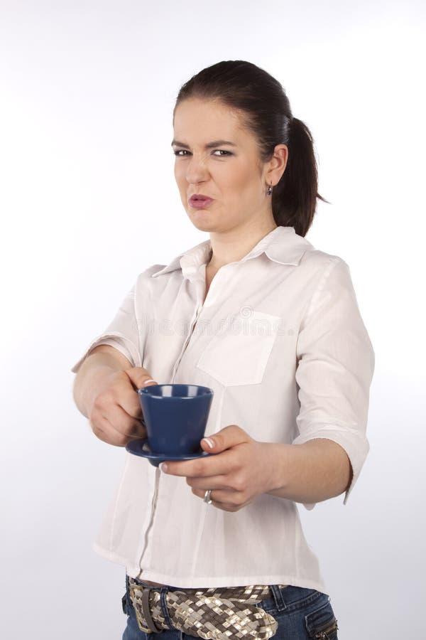 äcklad kvinna för kopp royaltyfri bild