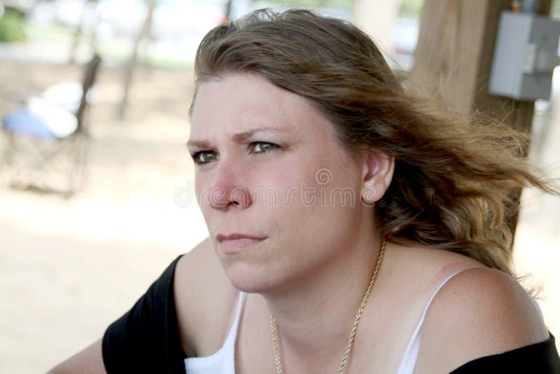 äcklad tokig kvinna royaltyfri bild