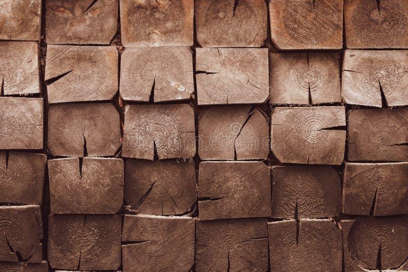 Ädelträbakgrund med smutsiga plankor tr?brun textur Sörja trä - material, kopieringsutrymme Ek korntimmervägg Tappning ab fotografering för bildbyråer