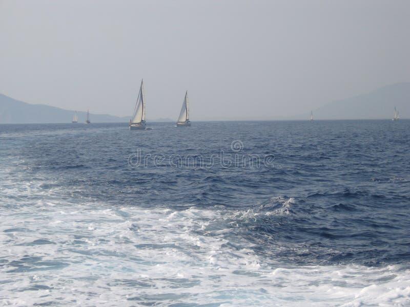 Ägäisches Meer, zwischen der Insel von Rhodos und der Insel von Symi lizenzfreies stockbild