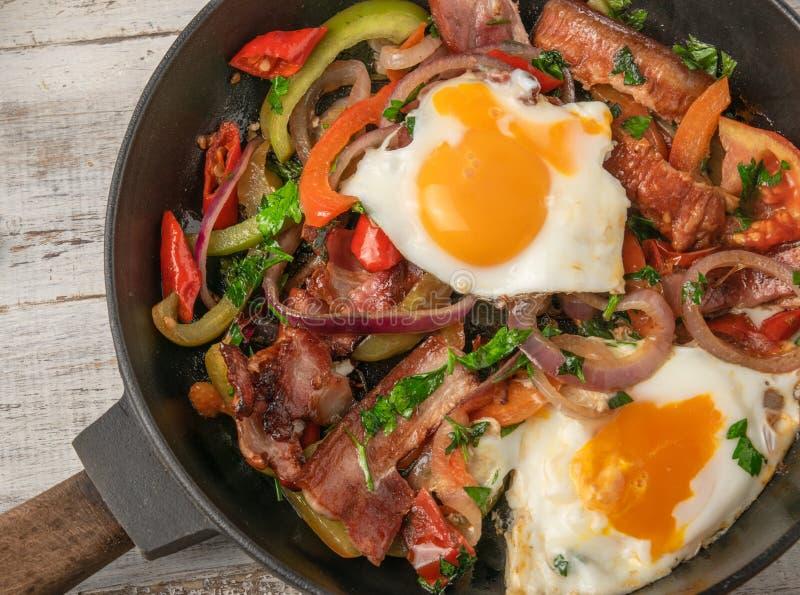 Ägg och grönsak arkivfoton