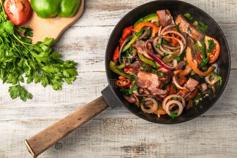 Ägg och grönsak royaltyfria foton