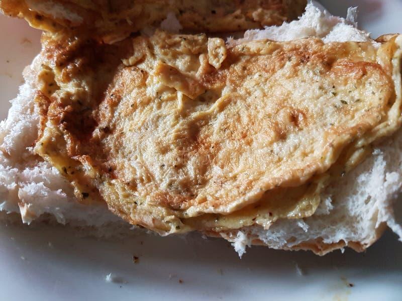 Ägg på bröd arkivbild