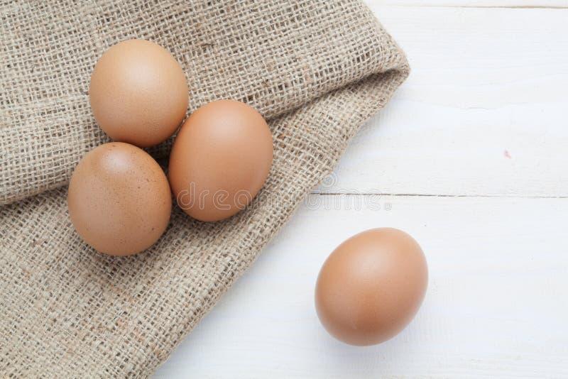 Ägg på säcken arkivbild