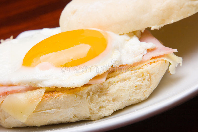 äggsmörgås royaltyfri foto