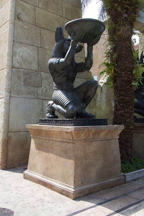 Ägyptische alte Kunst Anubis-Skulptur lizenzfreie stockfotos
