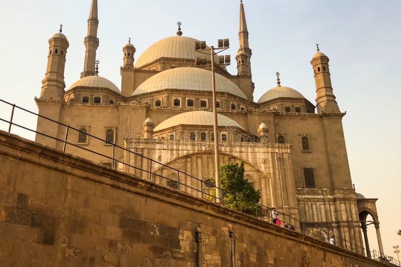 Ägyptische Moscheen Die Moschee der moslemische Tempel in Ägypten lizenzfreies stockfoto
