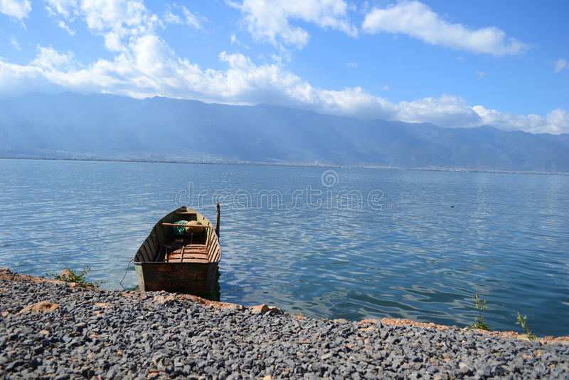 Äh Meer in Yunnan-Provinz lizenzfreie stockfotografie