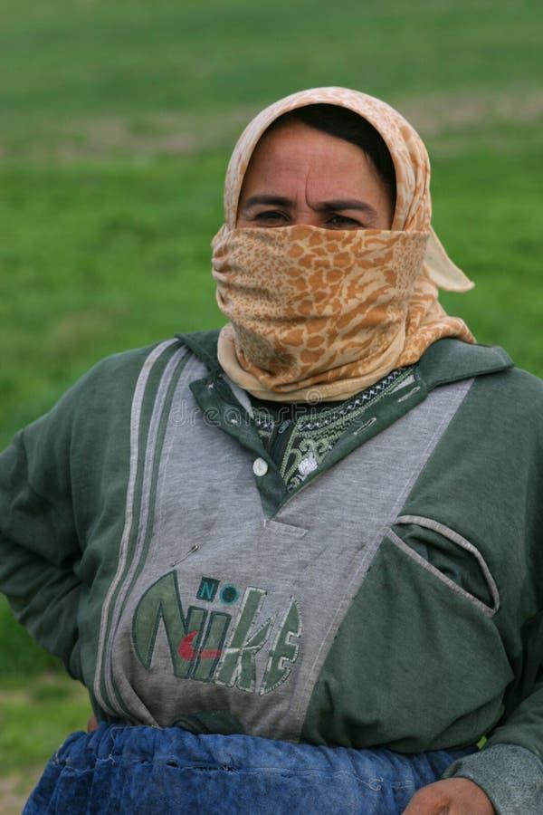 Äldre bondekvinna på Apamea, Syrien royaltyfria foton